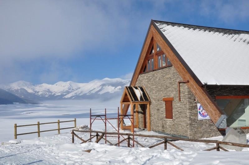 18 itinerari sul velino e sui monti di campo felice per for Piani di fattoria del vermont