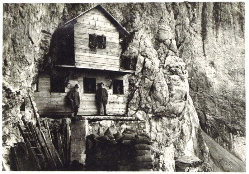 Cengia-Martini-baracca-ufficiali-1917