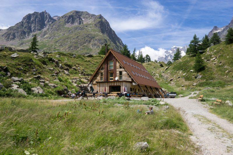 La Cabane du Combal in Val Veny